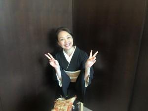 母親役(ウェディングプランナーで、HanaMichiの企画等にも関わってくださっている松野さん)
